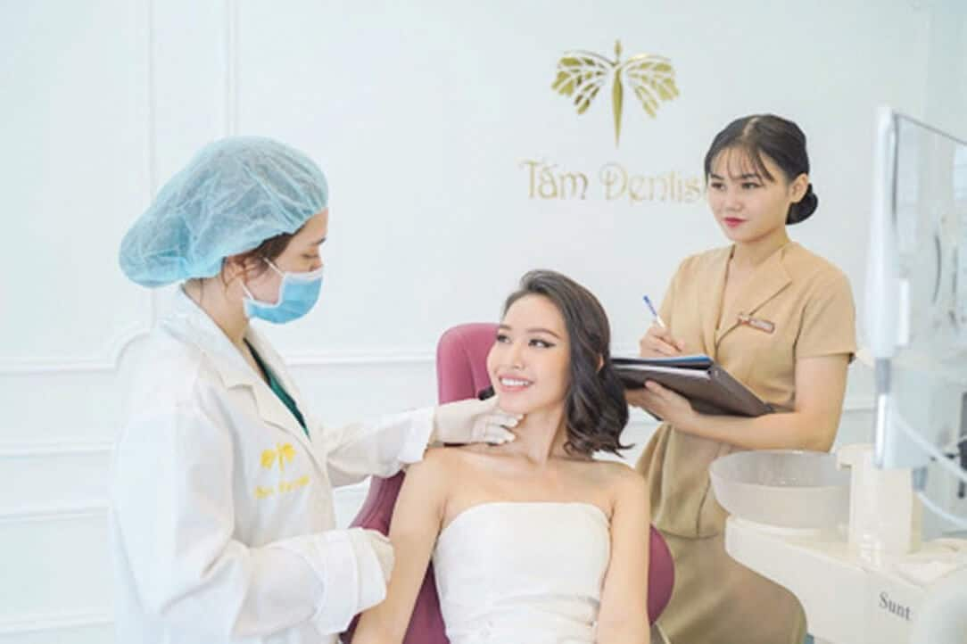 tham my beauty center by tam co doi ngu nhan vien bac sy tan tnh ti mi chu dao