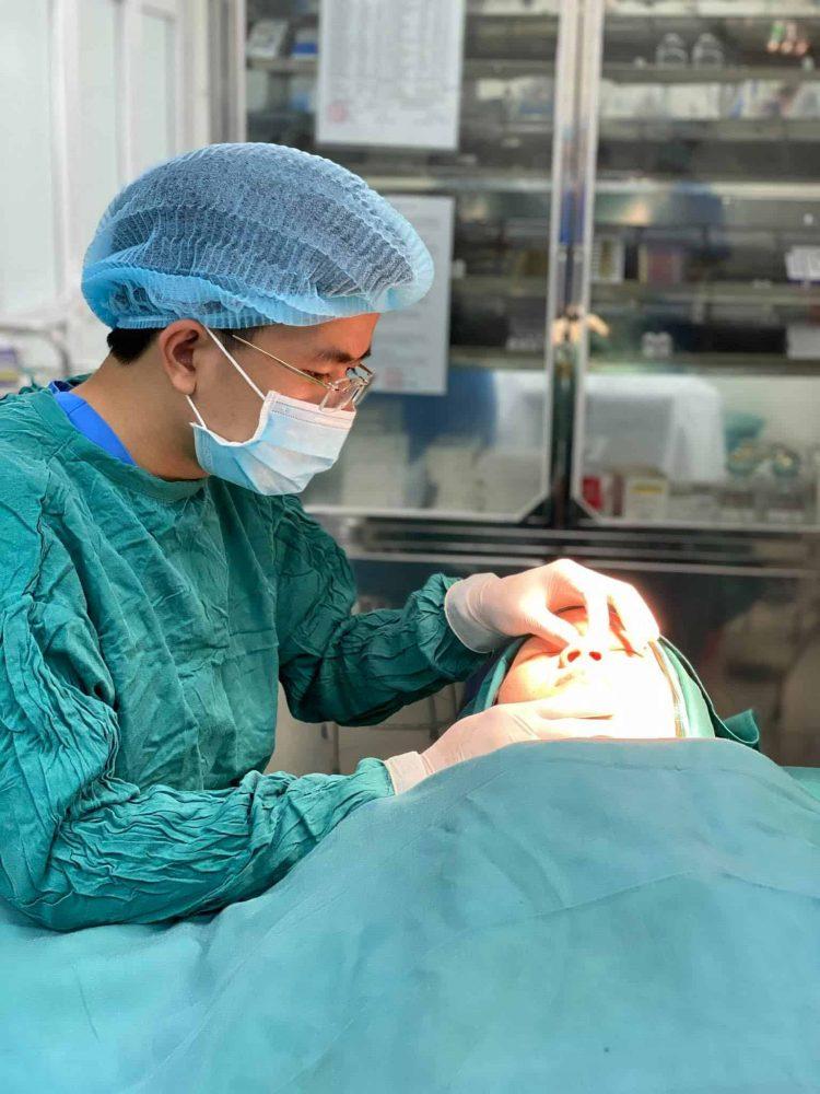 Dr. Trần Ngọc Trung